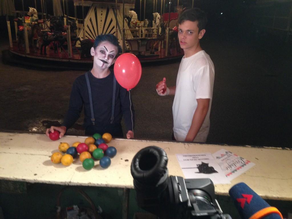Sandkorn_Dreh_Karussell_Set_Kamera_Clown